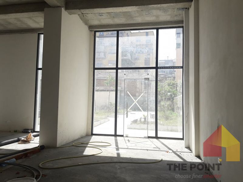 Commercial space for sale near Selvia area