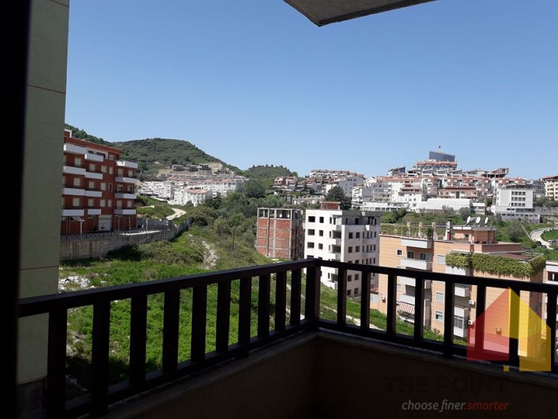 For sale a 2 + 1 apartment in Botanical Gardens